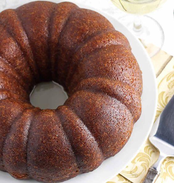 Rotweinkuchen (Gâteau au vin rouge)
